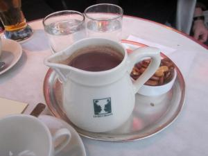 Les Deux Magots -- melted chocolate bars in a cup.