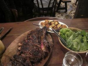 Robert et Louise -- beef ribs, potatoes, salad.